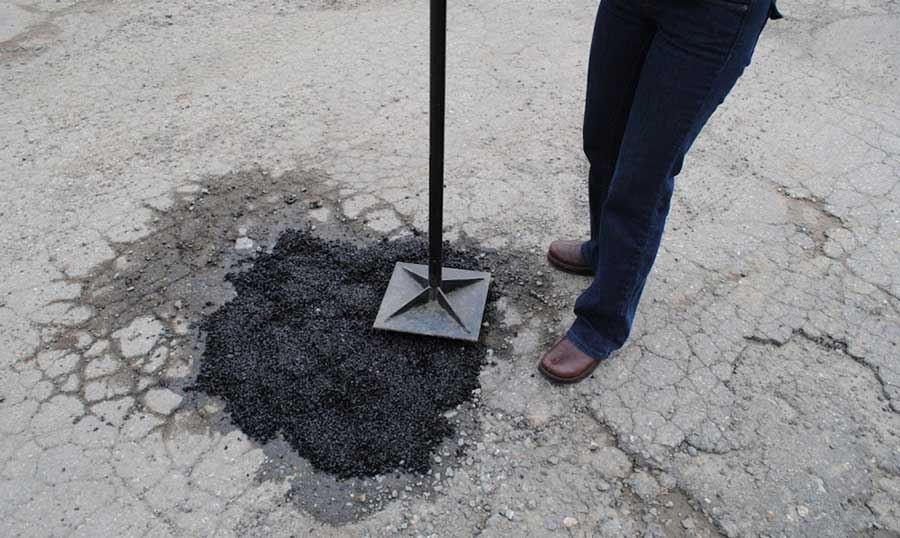 Driveway repair and diy pothole repair made simple with ez street pothole in your driveway solutioingenieria Image collections